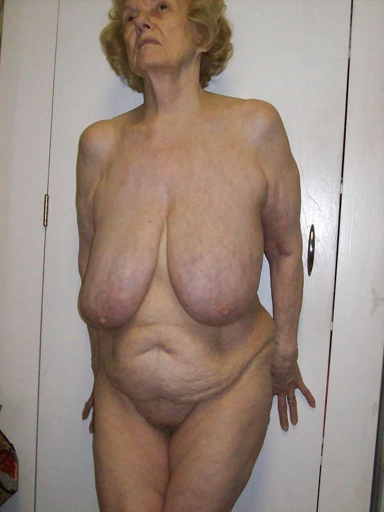 sexy hooters girl fucking guy