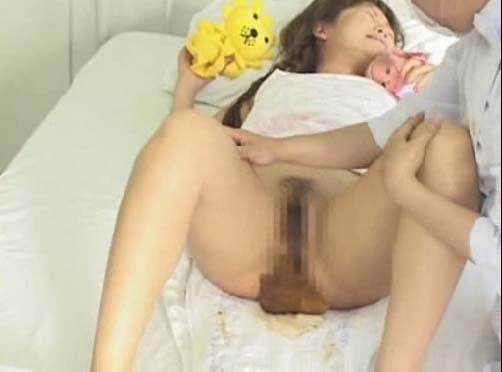 Women pooping diapers sex