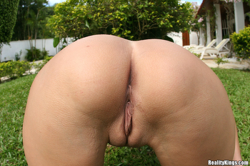Brazilian Ass And Pussy