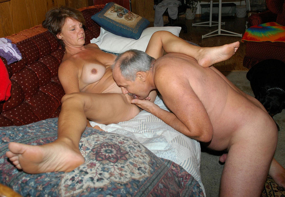 Old people haveing naked sex