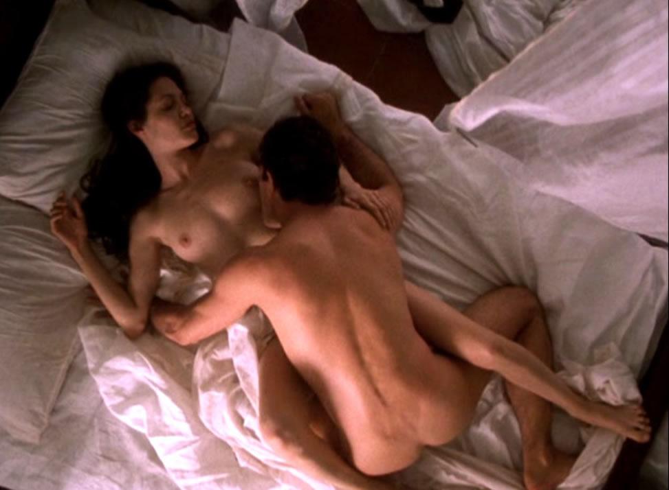angelina jolie nude movie scene № 57039