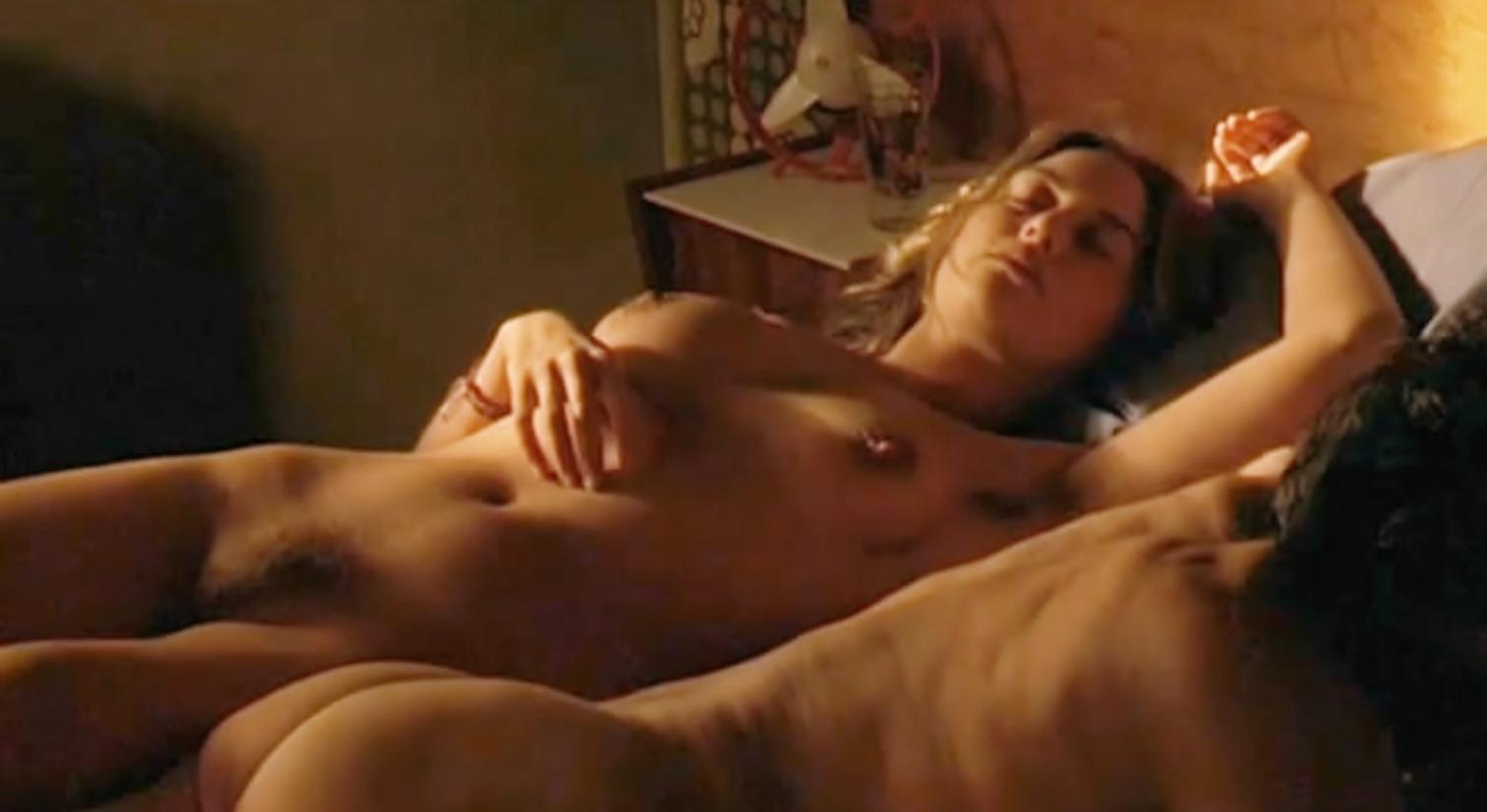 eroticheskiy-film-molodost