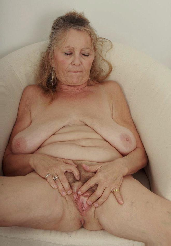53 year old granny fucks her old pussy with a dildo - 4 9