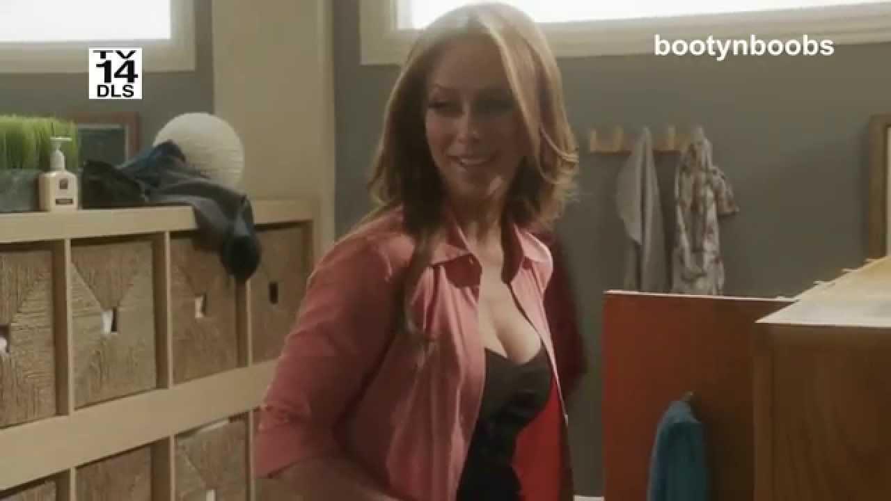 Jennifer Love Hewitt Bouncing Boobs