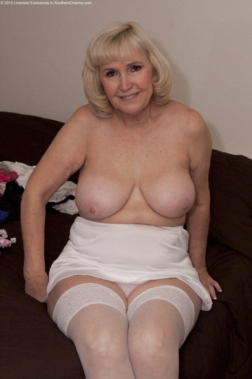 Hot busty nude latina women