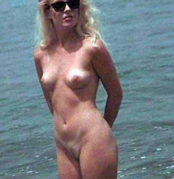 free naked kim bassinger