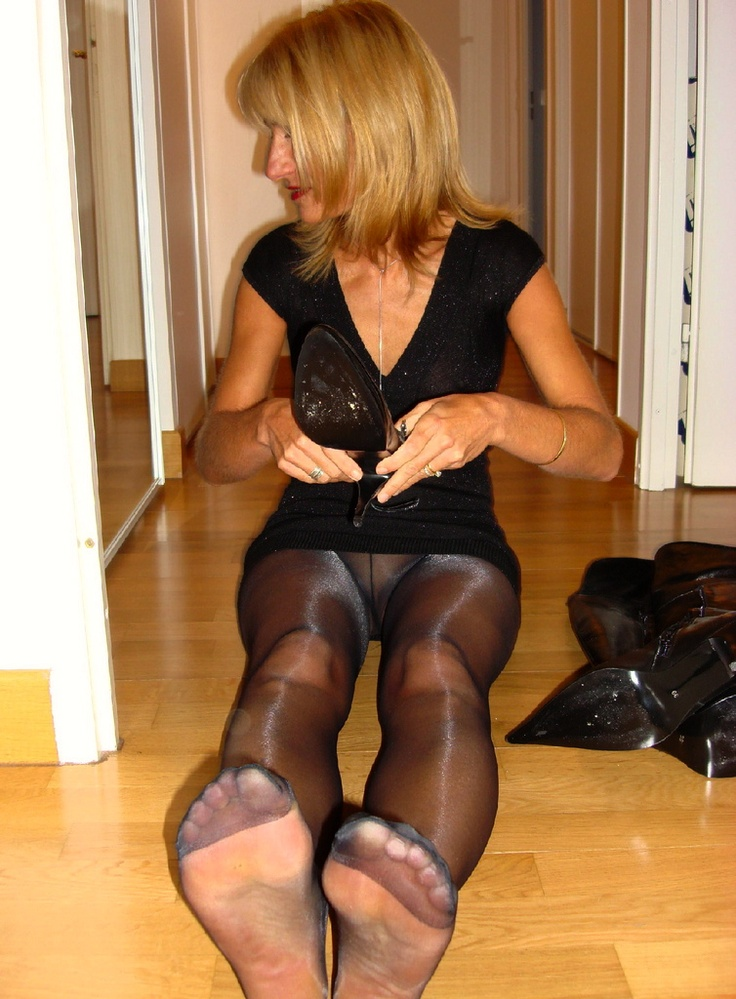 Womens wide fetish shoes