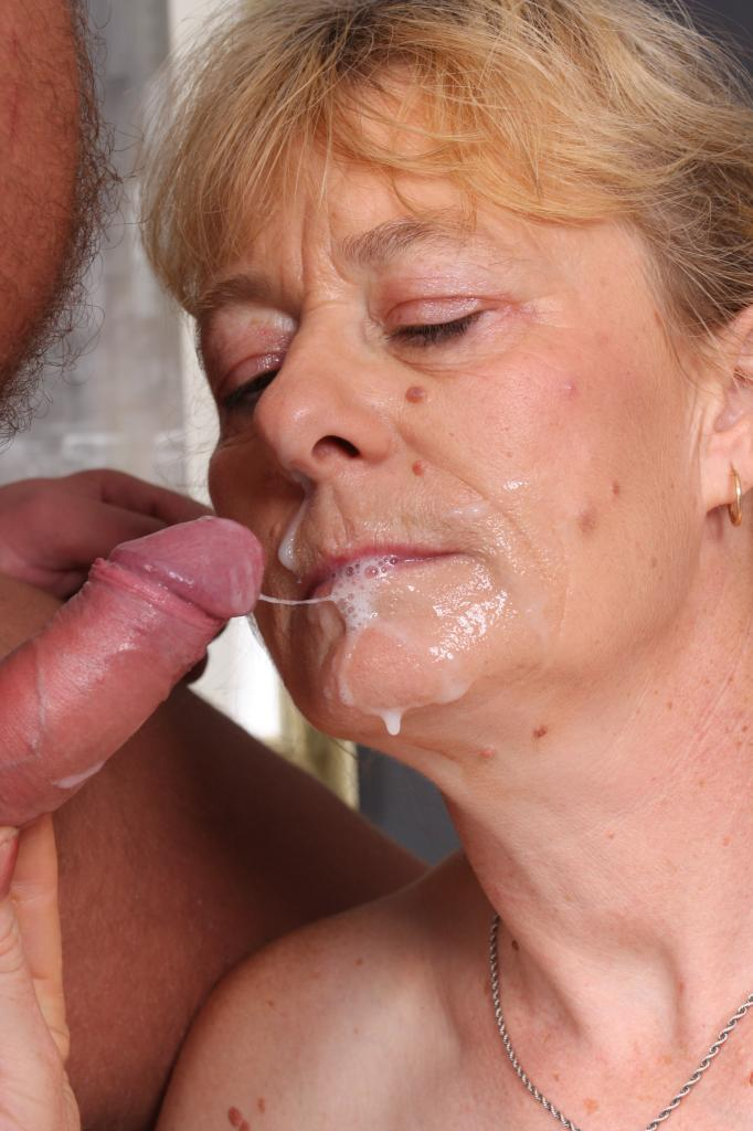 Granny blowjob cumshot Videos A Granny Sex - Free granny.