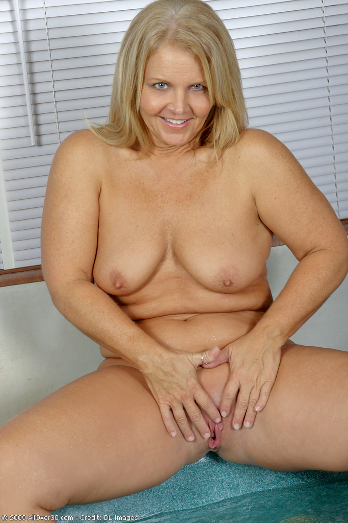 Year Old Nude Woman 70s Porn Videos