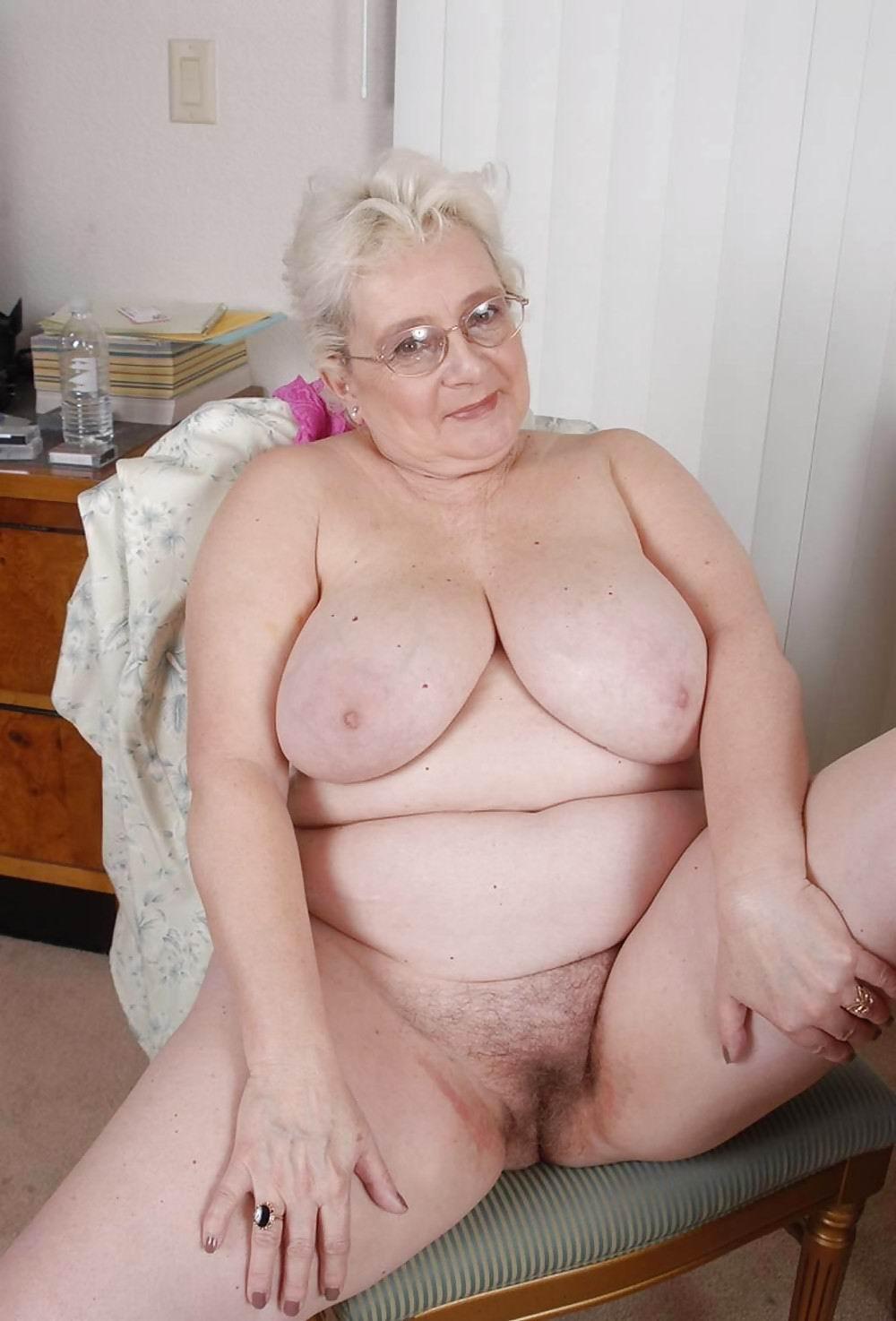 fat mature granny porn - private nude photo
