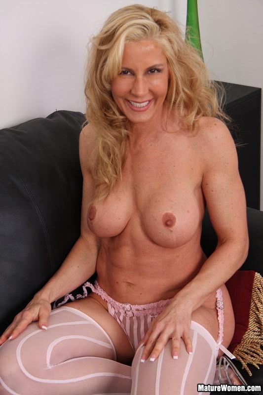 Hot blonde cougar milan soccer milf