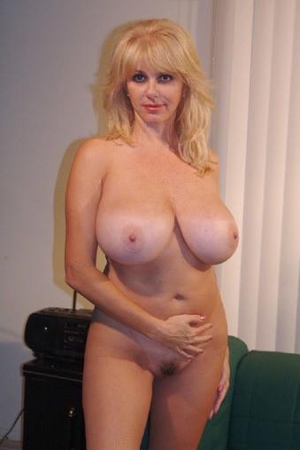 hot big boobed blonde moms naked