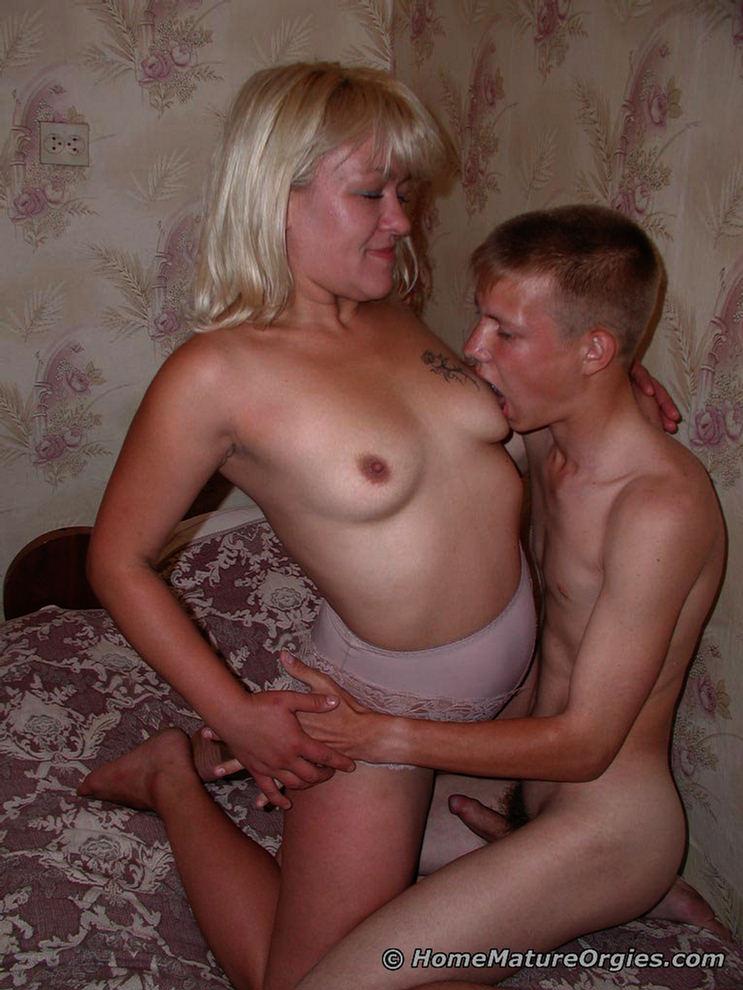 Teen blonde hot pics