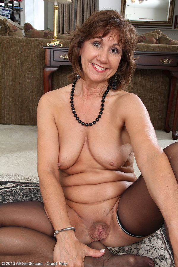 Elegant Mature Naked Women