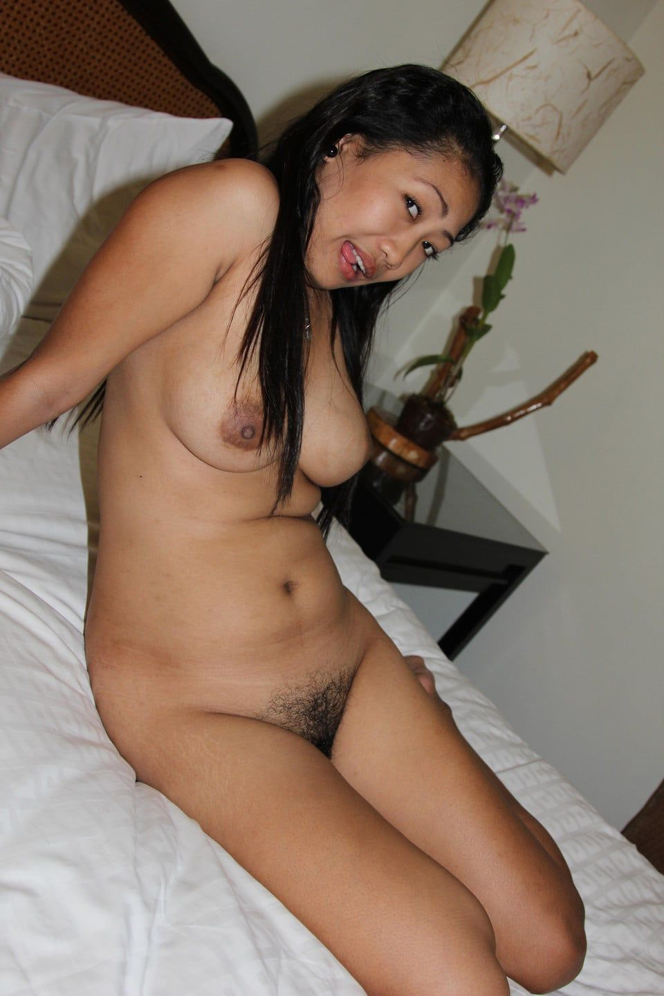 thai cute nude pic