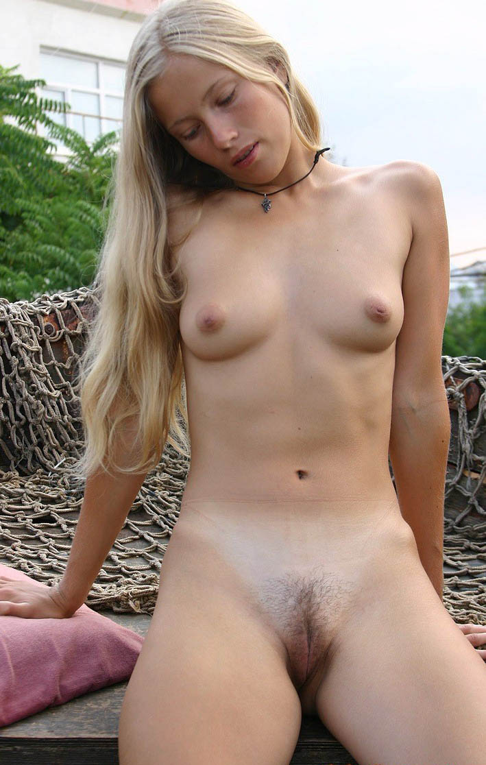 attractive ordinary nude woman