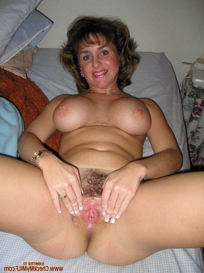 spread hairy pussy Amateur mom