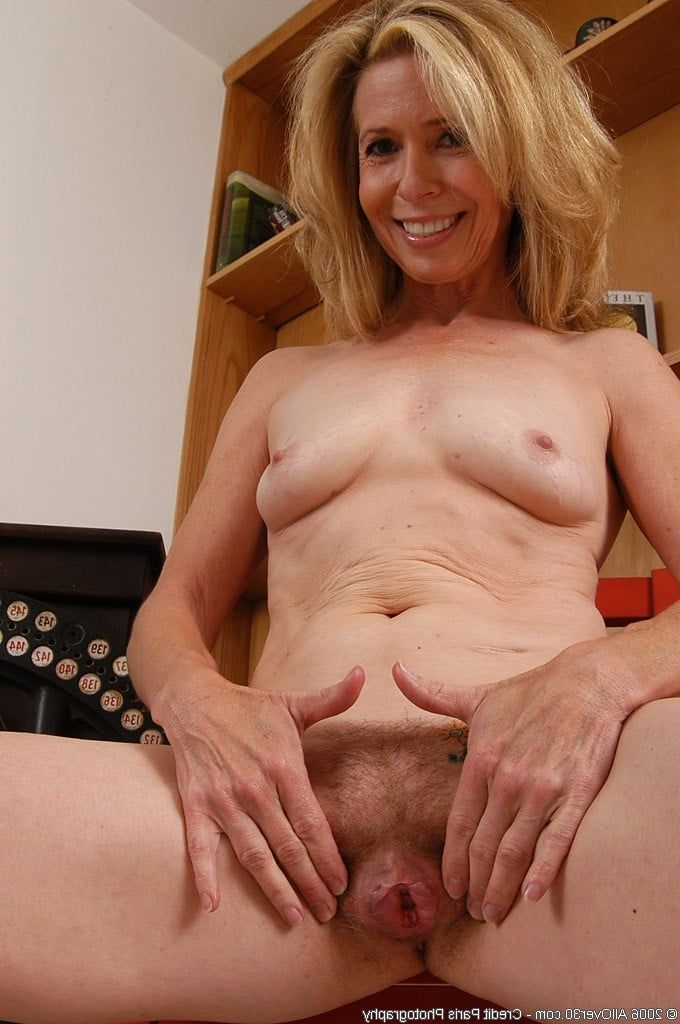 Amateur fat milf