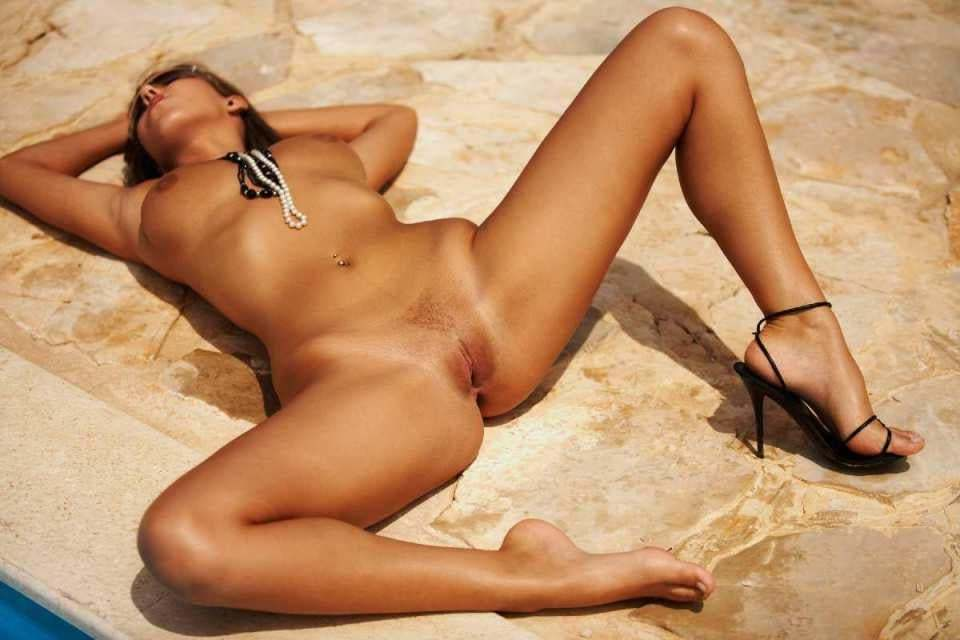 wife topless mexico desire